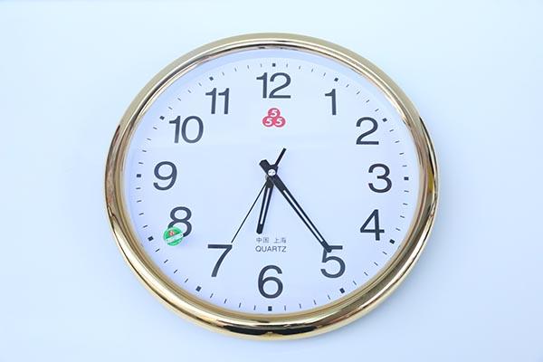 上海555三五 2421挂钟,跳秒石英钟,家庭教室办公型挂钟